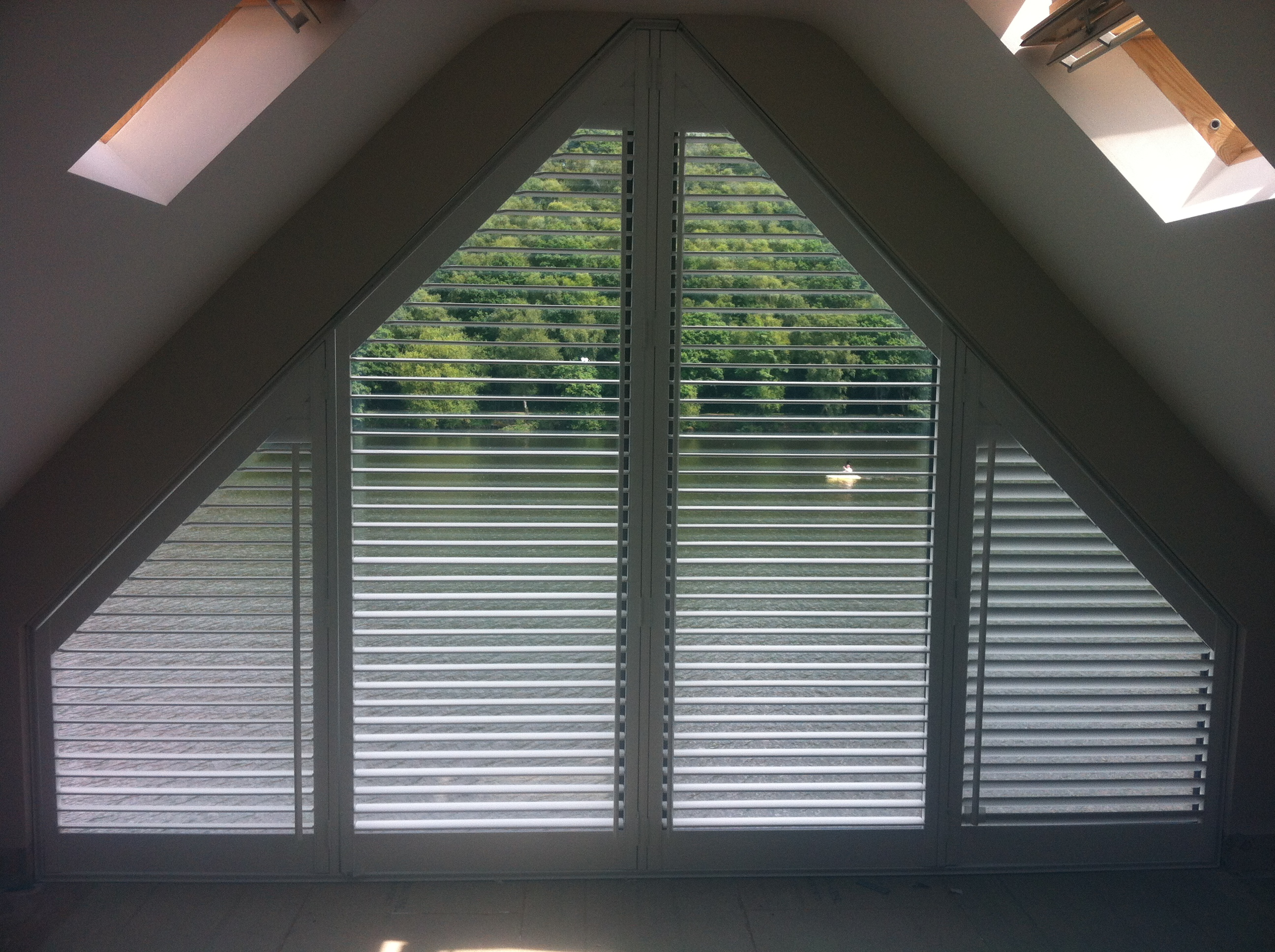 window-shutters-angle-shutter